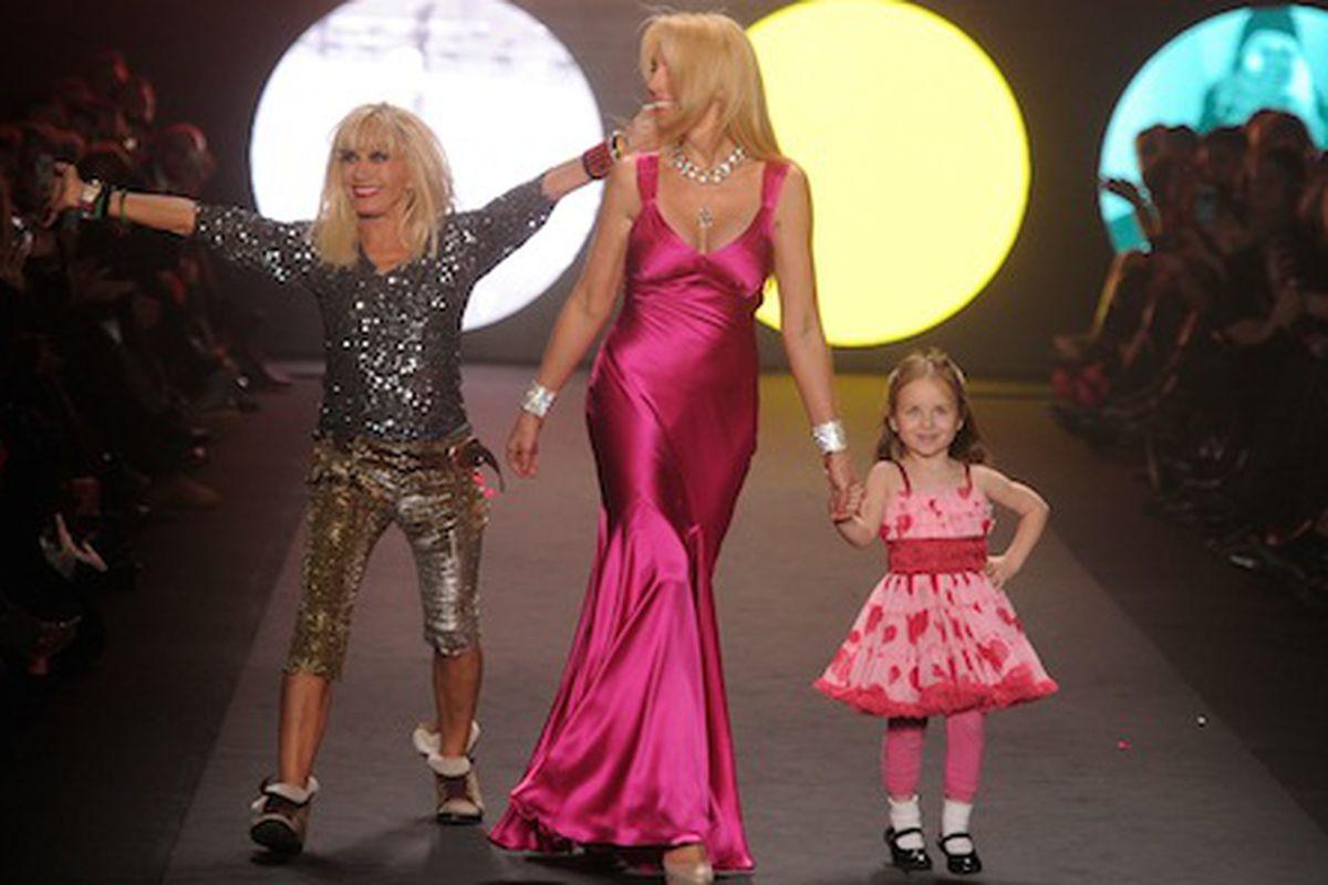 Betsey Johnson, Lulu Johnson, and Layla Johnson on the runway via Getty