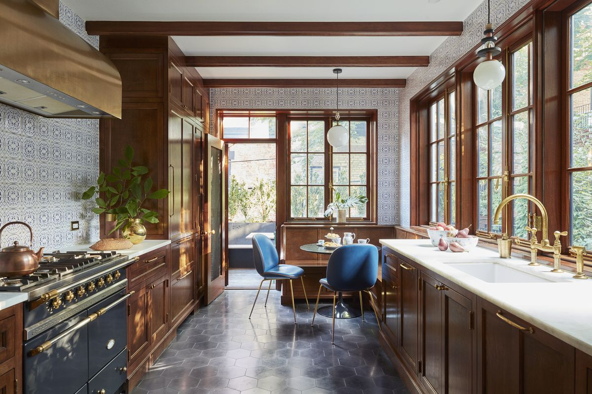 A Brooklyn townhouse built in 1901 gets a revamp—with a ...