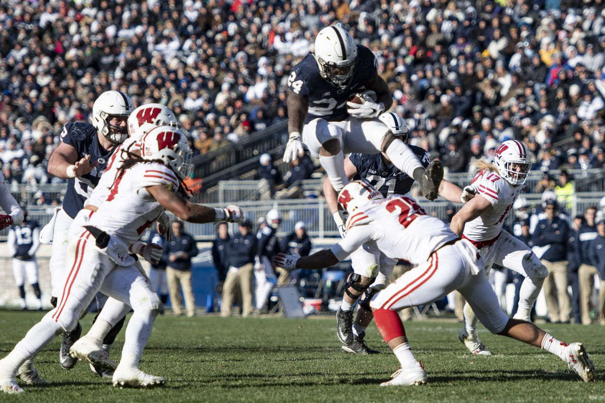 COLLEGE FOOTBALL: NOV 10 Wisconsin at Penn State