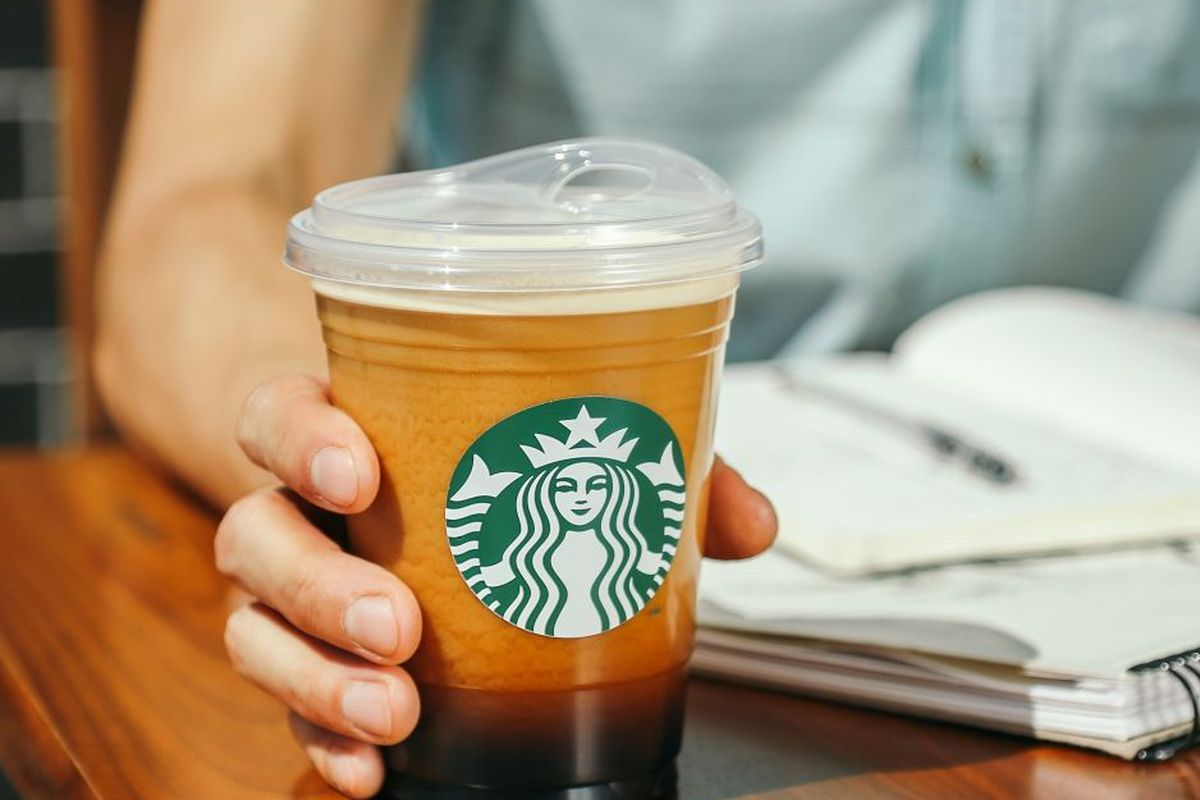 Starbucks New Drinks 2020 Starbucks Straw Ban: Sippy Cups Will Replace Plastic Straws by
