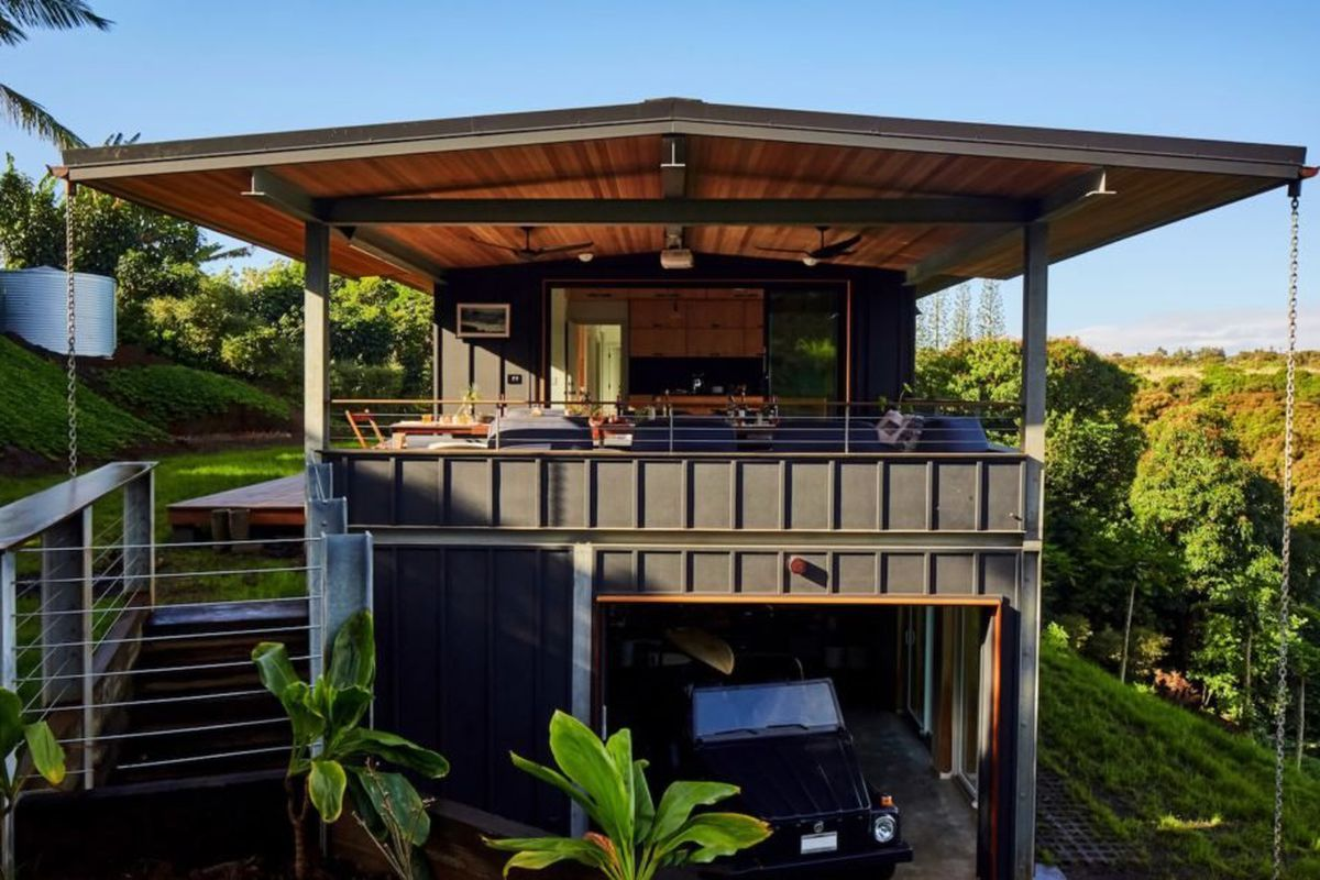 Indoor Outdoor Modern Home Lives The Off Grid Dream In