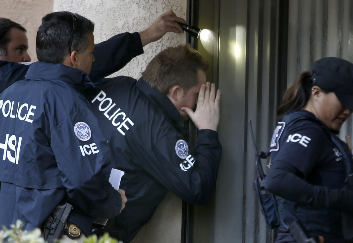 DHS officials on an immigration investigation.