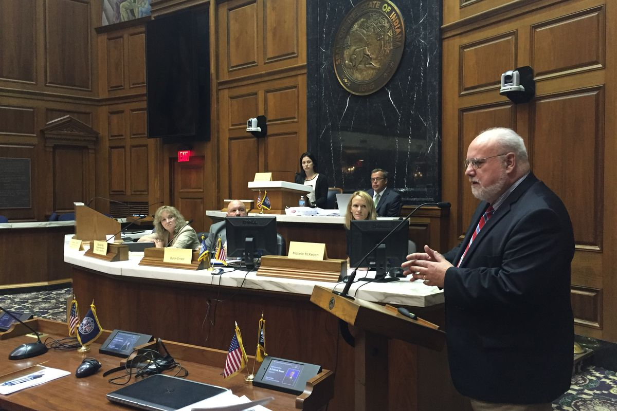 Former Michigan testing director Ed Roeber explains his proposal for how Indiana should move forward post-ISTEP at a meeting earlier this year.