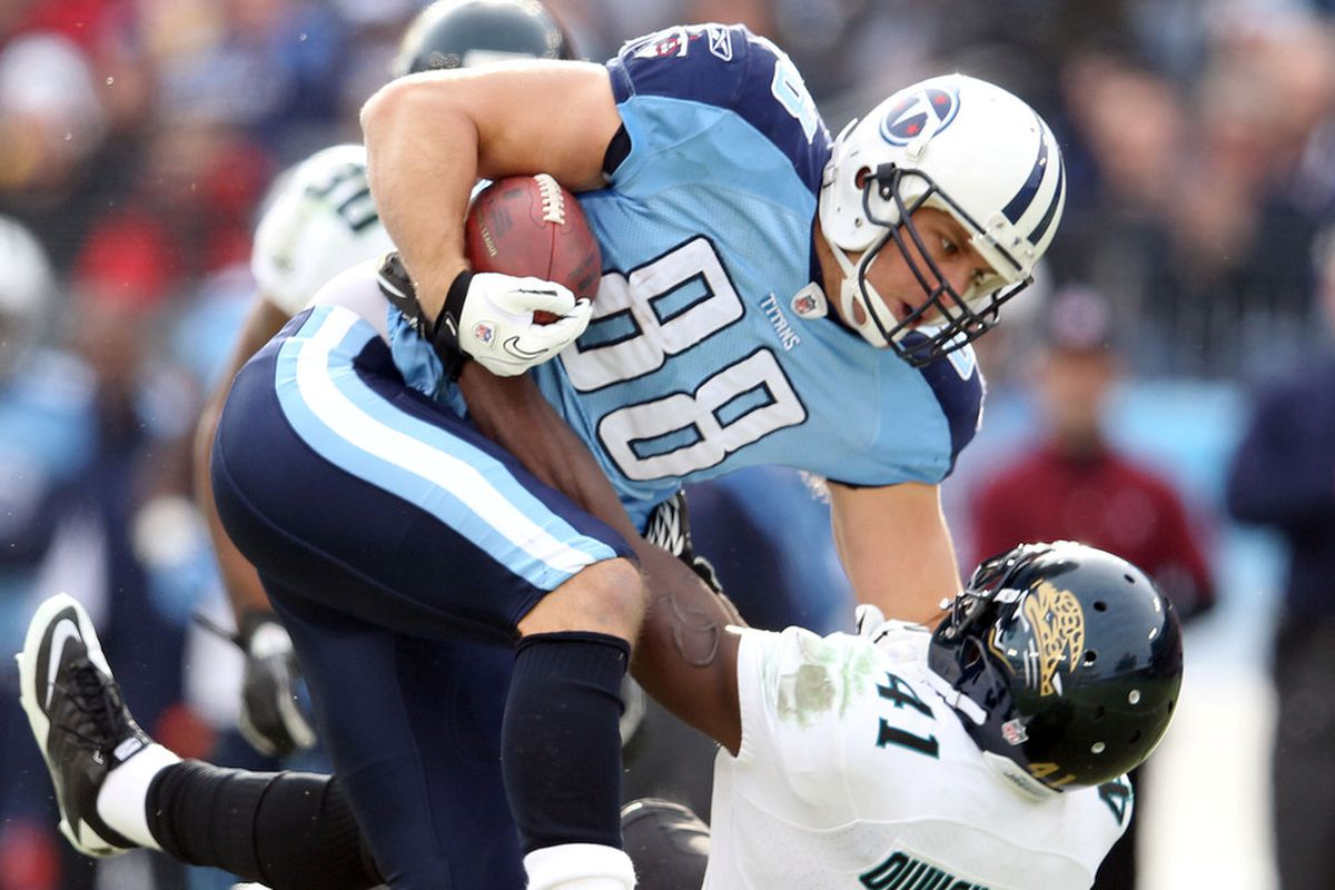 NASHVILLE, TN - DECEMBER 24: Craig Stevens #88 of the Tennessee Titans runs with the ball during the NFL game against the Jacksonville Jaguars at LP Field on December 24, 2011 in Nashville, Tennessee.  (Photo by Andy Lyons/Getty Images)