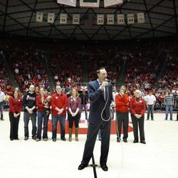 Former Utah basketball player Keith Van Horn speaks to the crowd during a halftime tribute honoring the late Rick Majerus at the University of Utah's Huntsman Center in Salt Lake City on Saturday, Feb.2, 2013. Coach Majerus, who passed away Dec. 1, coached the Utes from 1989-2004 — posting a 323-95 record and an appearance in the 1998 NCAA championship game.