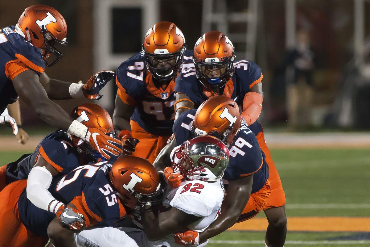 NCAA Football: Western Kentucky at Illinois