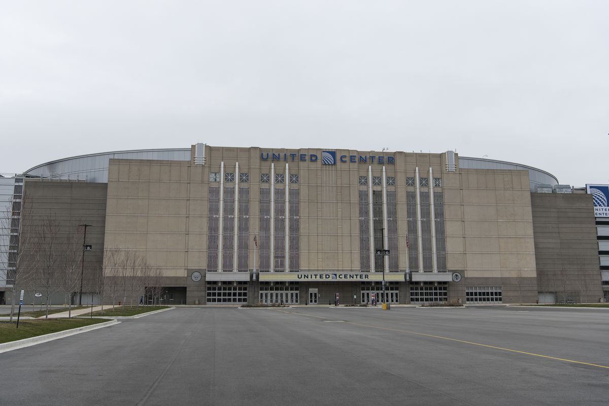 Officials are planning to stand up a mass COVID-19 vaccination site at the United Center.