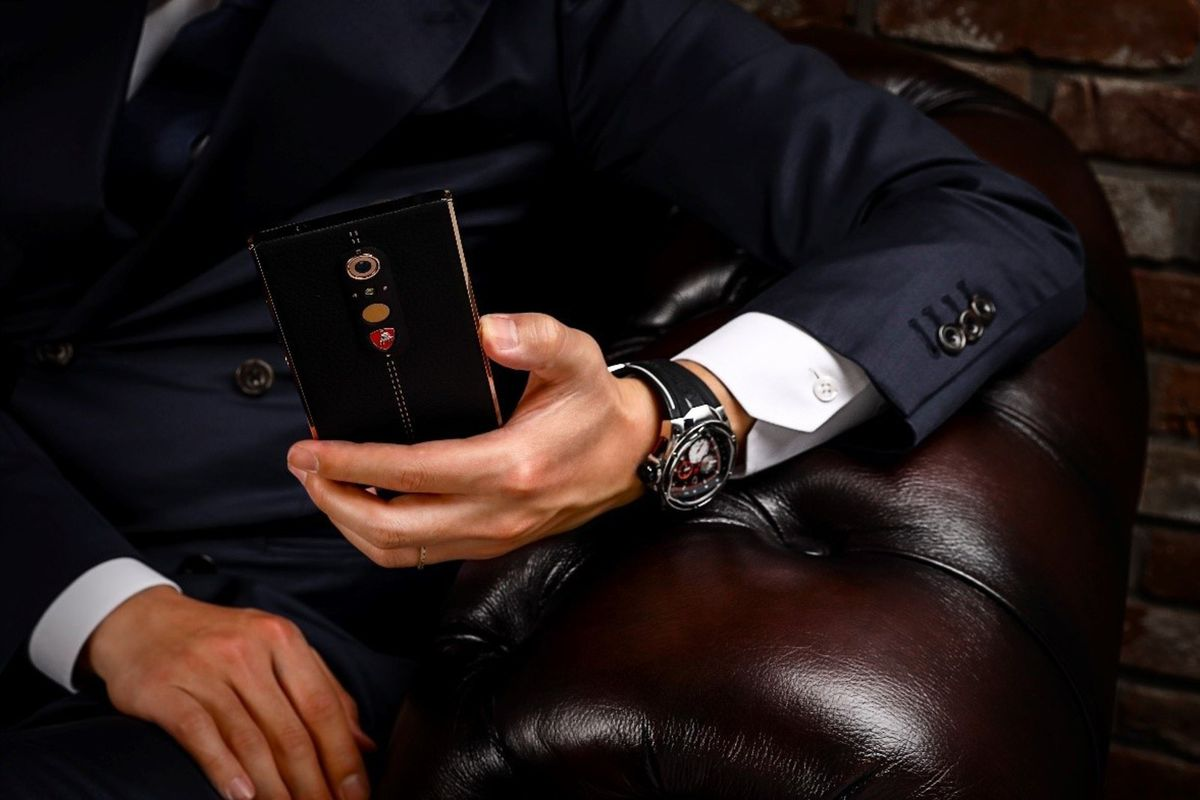Lamborghini's luxury Android phone is definitely not worth $2450