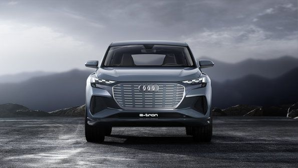 With An 82 Kwh Battery Pack Taking Up Almost The Entire E In Underbody Area Between Axles Audi Q4 Will Travel 280 Miles 450 Kilometers On