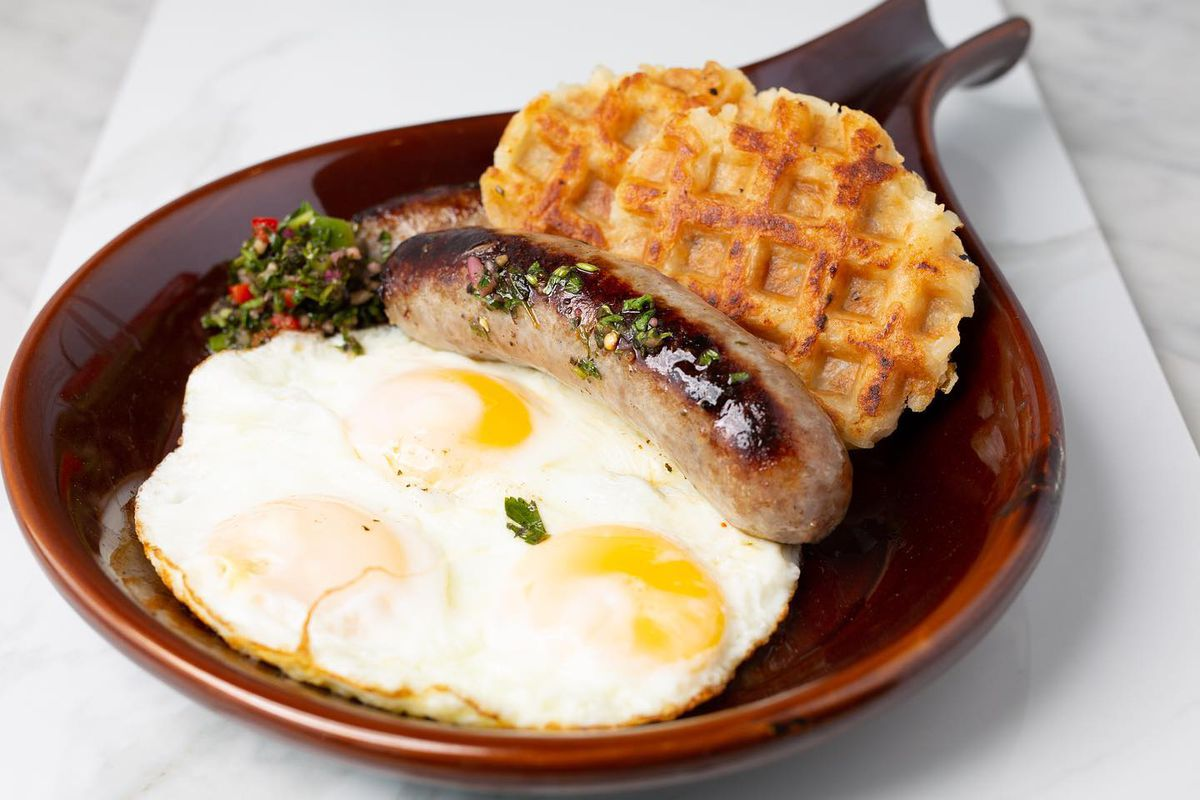 Sausage and eggs brekkie