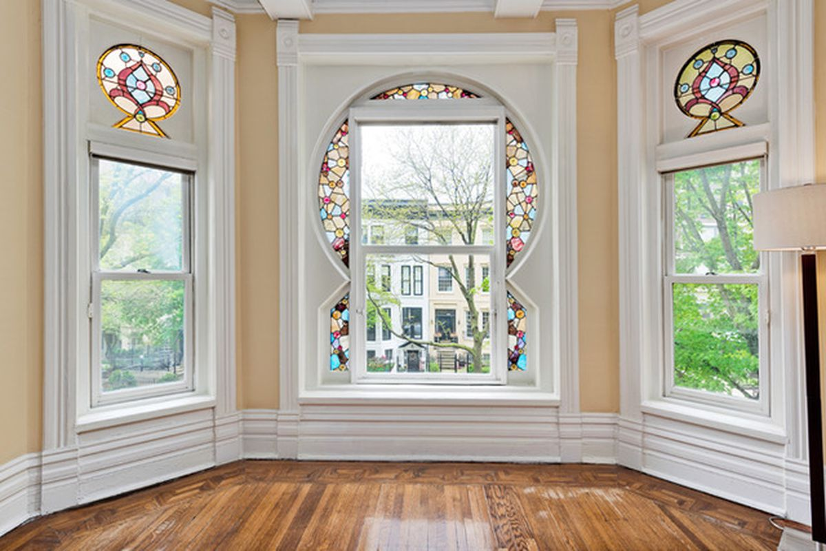 historic gold coast duplex with original stained glass keyhole