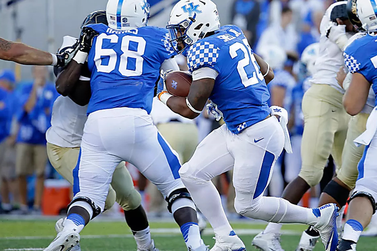 Uk Basketball: Kentucky Wildcats Football: What Is Wrong With The