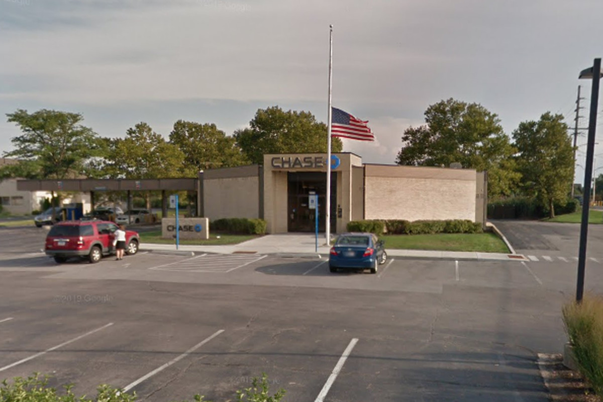 Chase Bank robbed in Munster