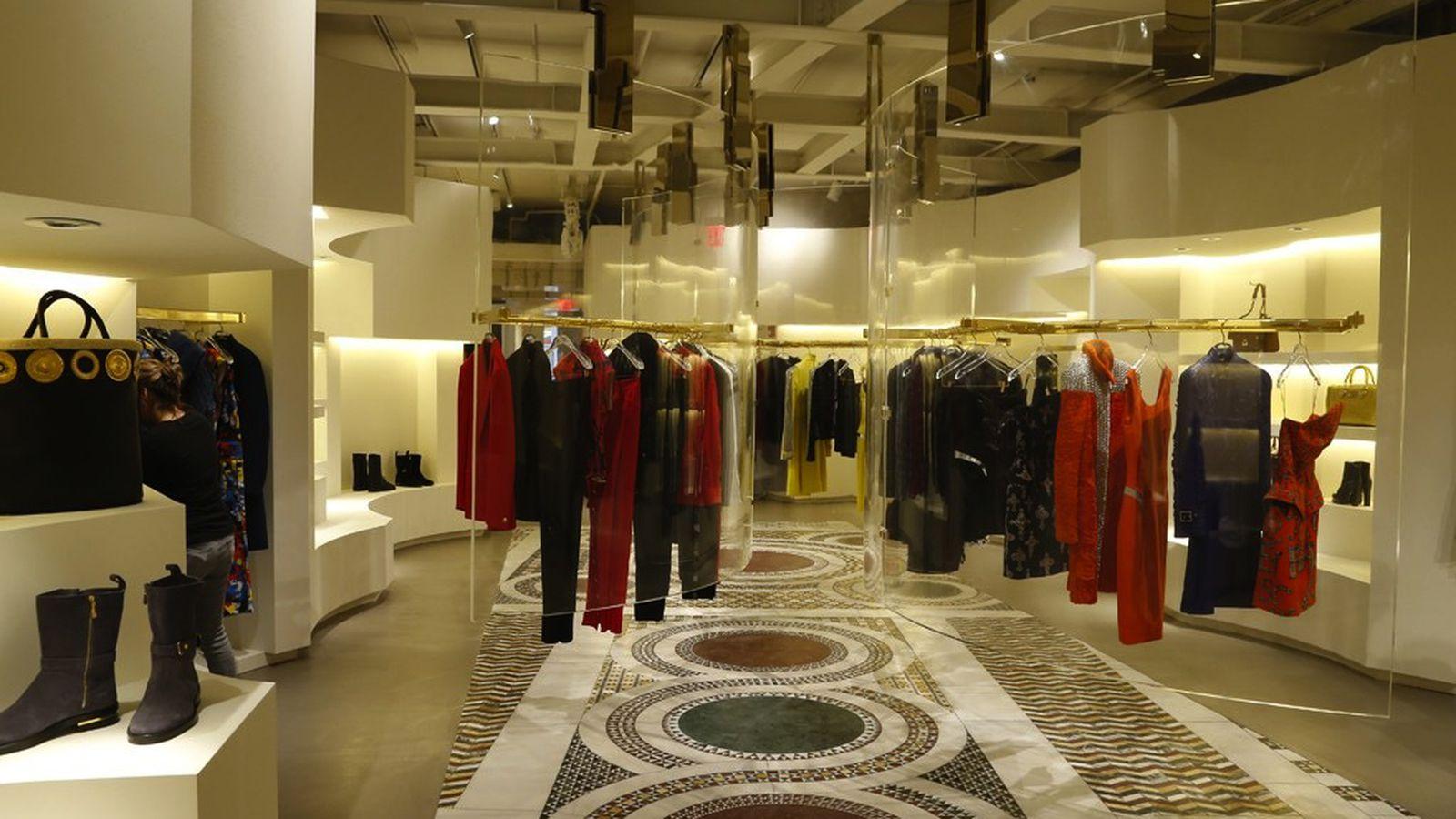 Versace's Opulent New Boutique Has Landed on Mercer Street ...