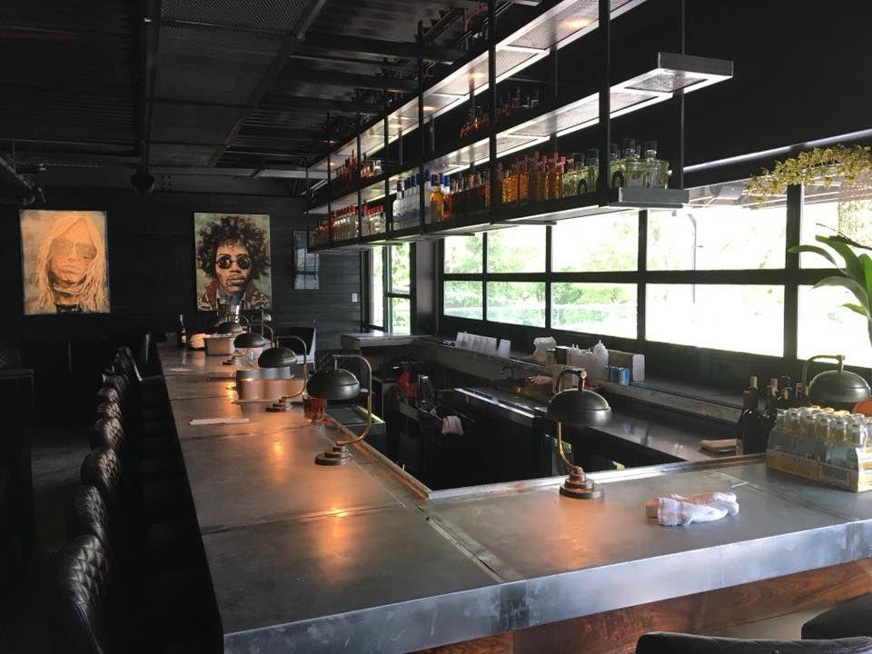 The bar at Arnette's Chop Shop