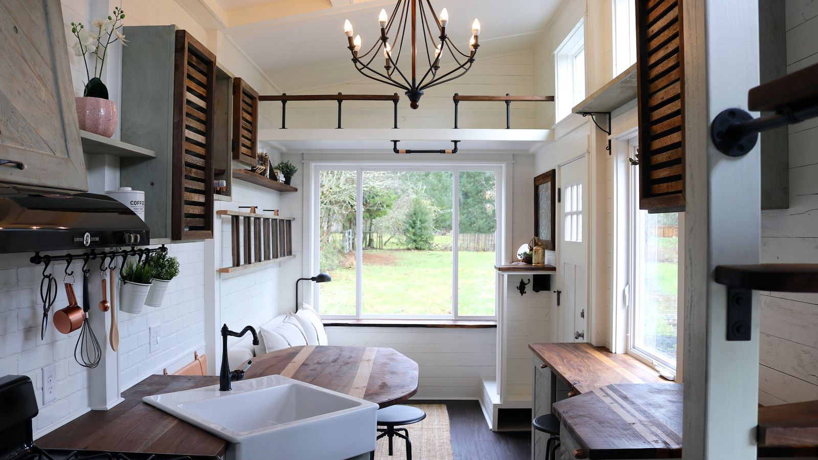 Tiny house packs farmhouse chic into 240 square feet for Ellen brotman interior designs