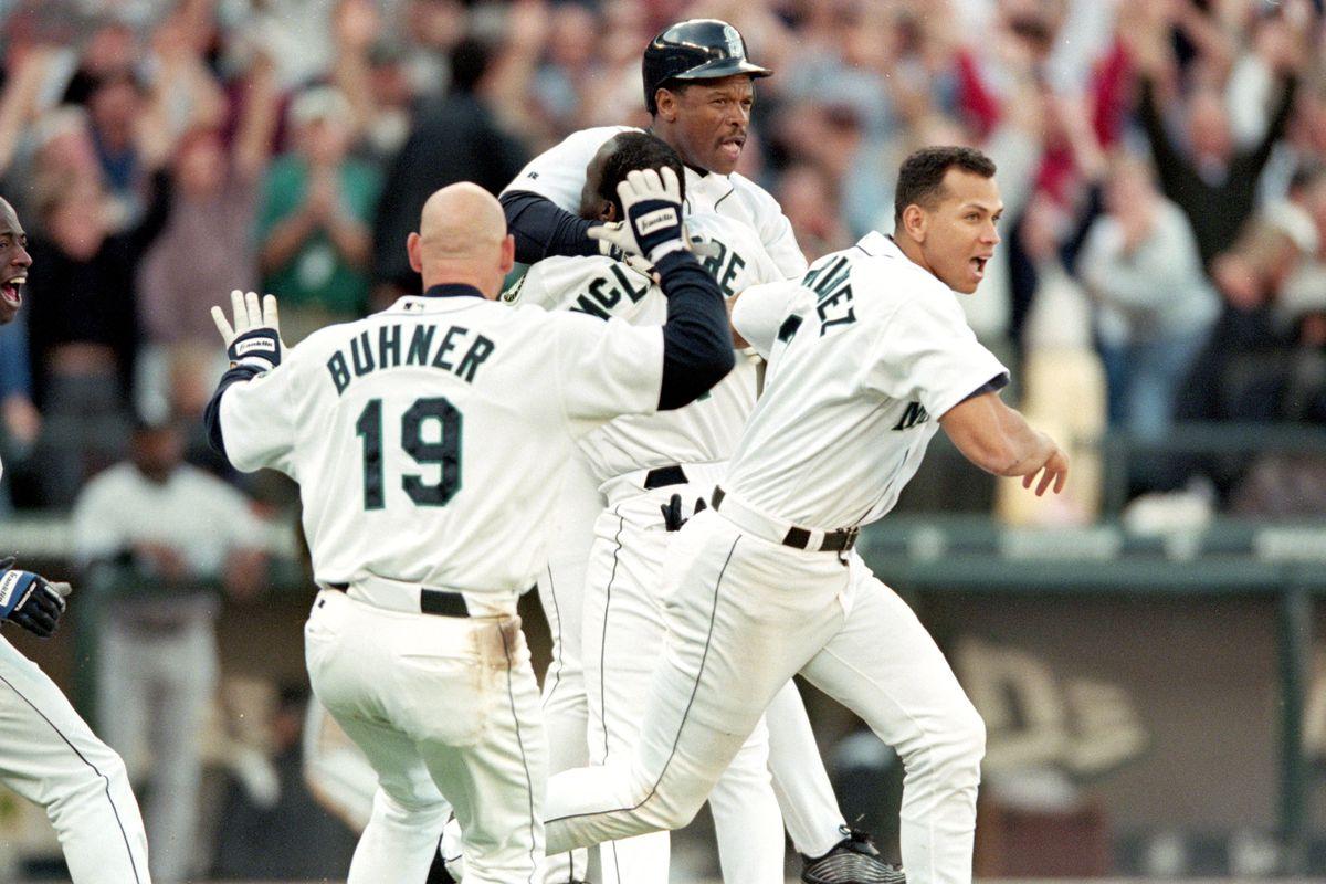 Mariners celebrate