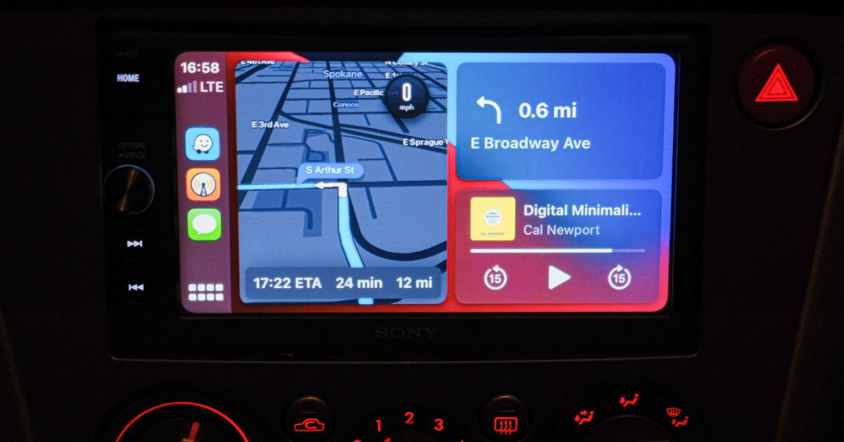 You can now use Waze on CarPlay's home screen instead of flipping between apps while driving