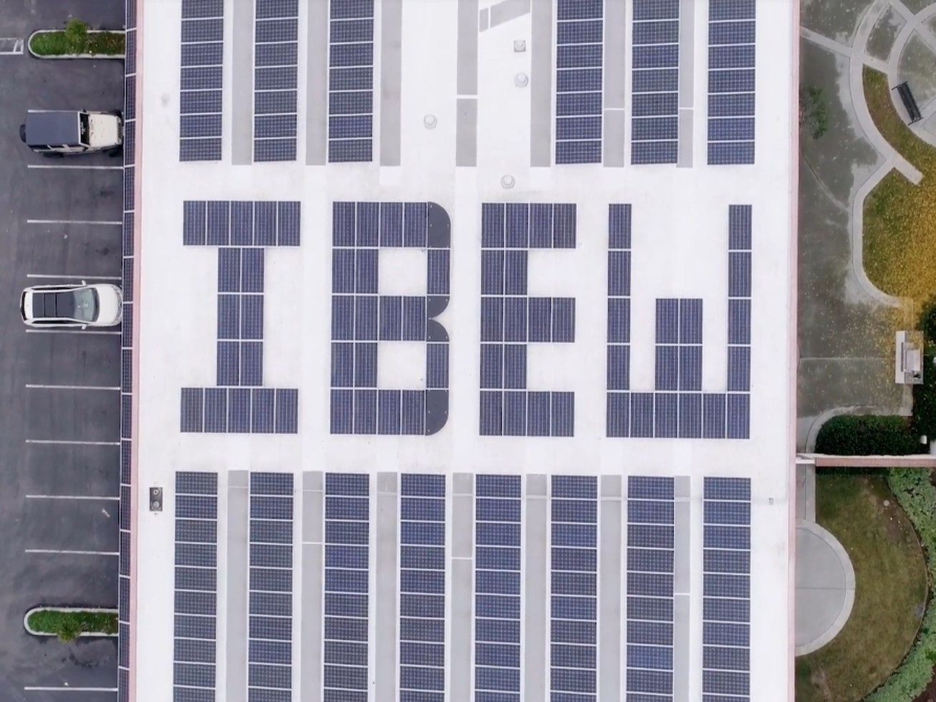 A solar photovoltaic array on top of the International Brotherhood of Electrical Workers Local 332 union hall in San Jose, California.