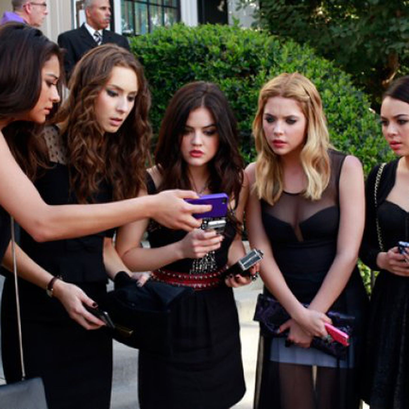 The Weird Wonderful Phones Of Pretty Little Liars The Verge