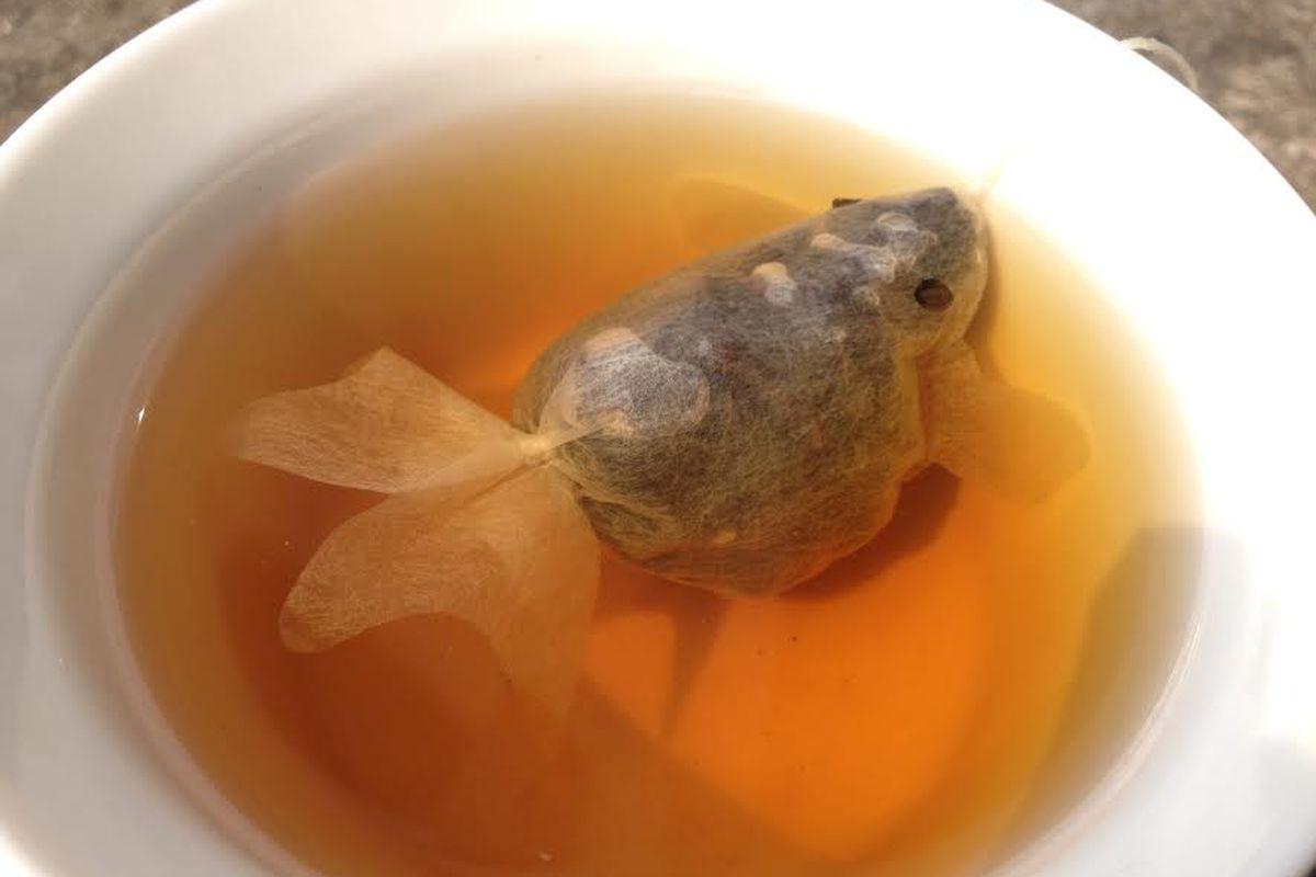 Charm Villa's goldfish tea.