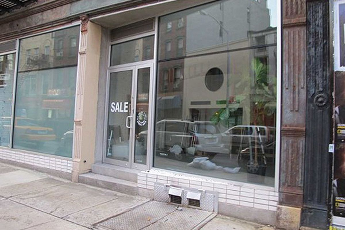 """Image via <a href=""""http://www.boweryboogie.com/2011/08/project-no-8-shutters-138-division-store/"""">Bowery Boogie</a>"""