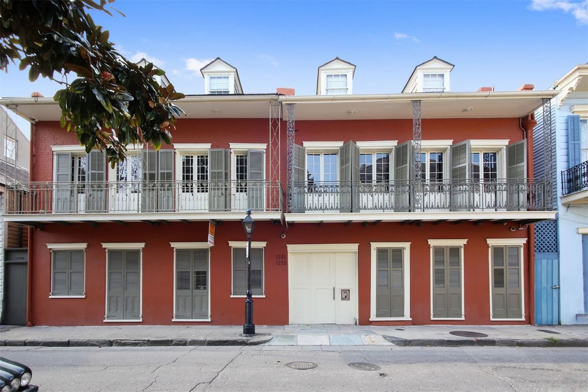 Renovated French Quarter Creole Townhouse Seeks 2 2m