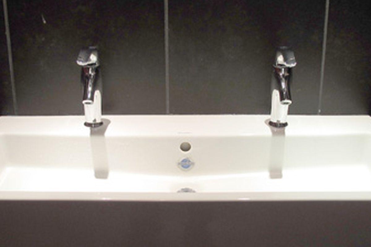 Vapiano's Bathroom