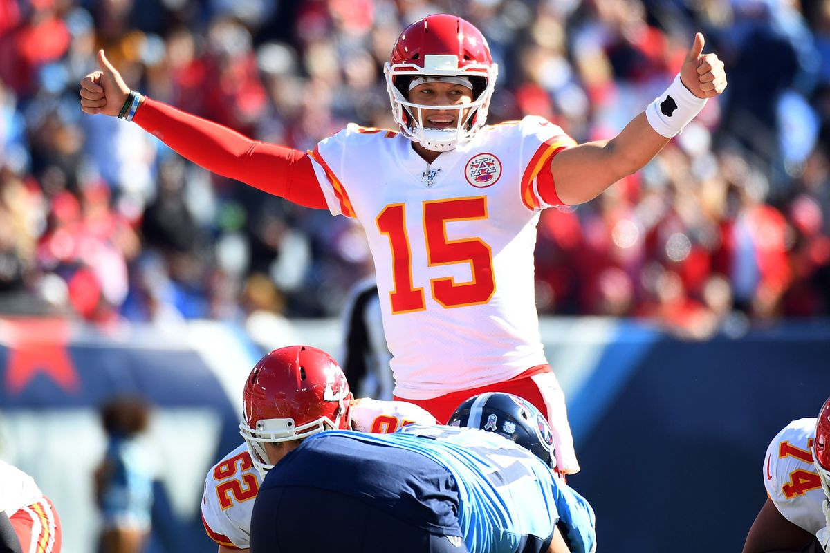 Kansas City Chiefs quarterback Patrick Mahomes calls plays at the line during the first half against the Tennessee Titans at Nissan Stadium.