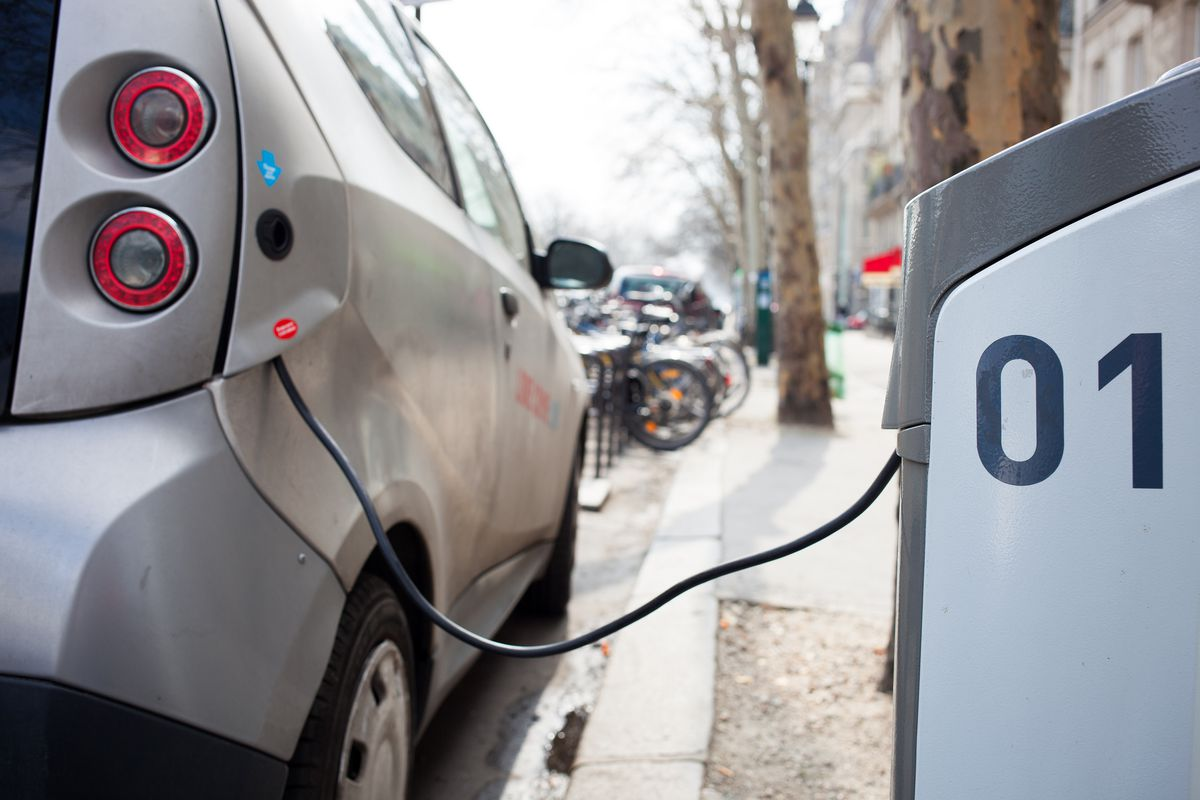 Australian Outback Will Get 70 Electric Vehicle Charging Stations