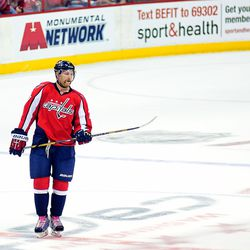 Alzner in Pink Laces, Hockey Fights Cancer