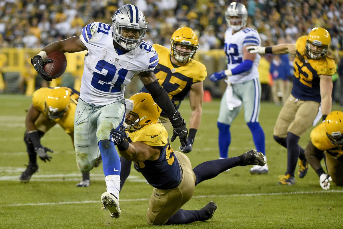 Elliot runs over the Packers. Good job, young man!