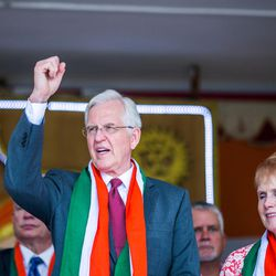 """Elder D. Todd Christofferson, a member of the Quorum of Twelve Apostles for The Church of Jesus Christ of Latter-day Saints,   chants """"Vande Mathram"""" (""""Salutations to Mother India"""") during the 71st Independence Day celebrations at the MIT World Peace University in Pune, Maharashtra, India, on August 15, 2017. His wife, Sister Kathy Christofferson, is at his side."""