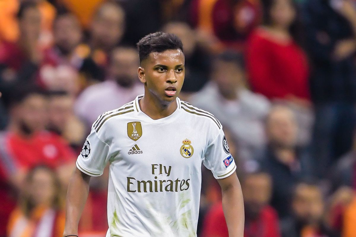 The 19-year old son of father (?) and mother(?) Rodrygo in 2020 photo. Rodrygo earned a million dollar salary - leaving the net worth at million in 2020
