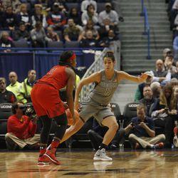 UConn�s Kia Nurse (11) defends a Maryland player.