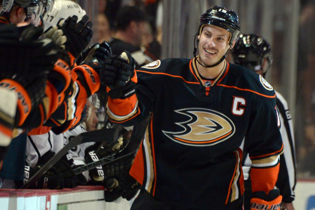 3e288843770 Hawk Thought  Getzlaf s Fine Form A Holiday Treat For Ducks Fans ...