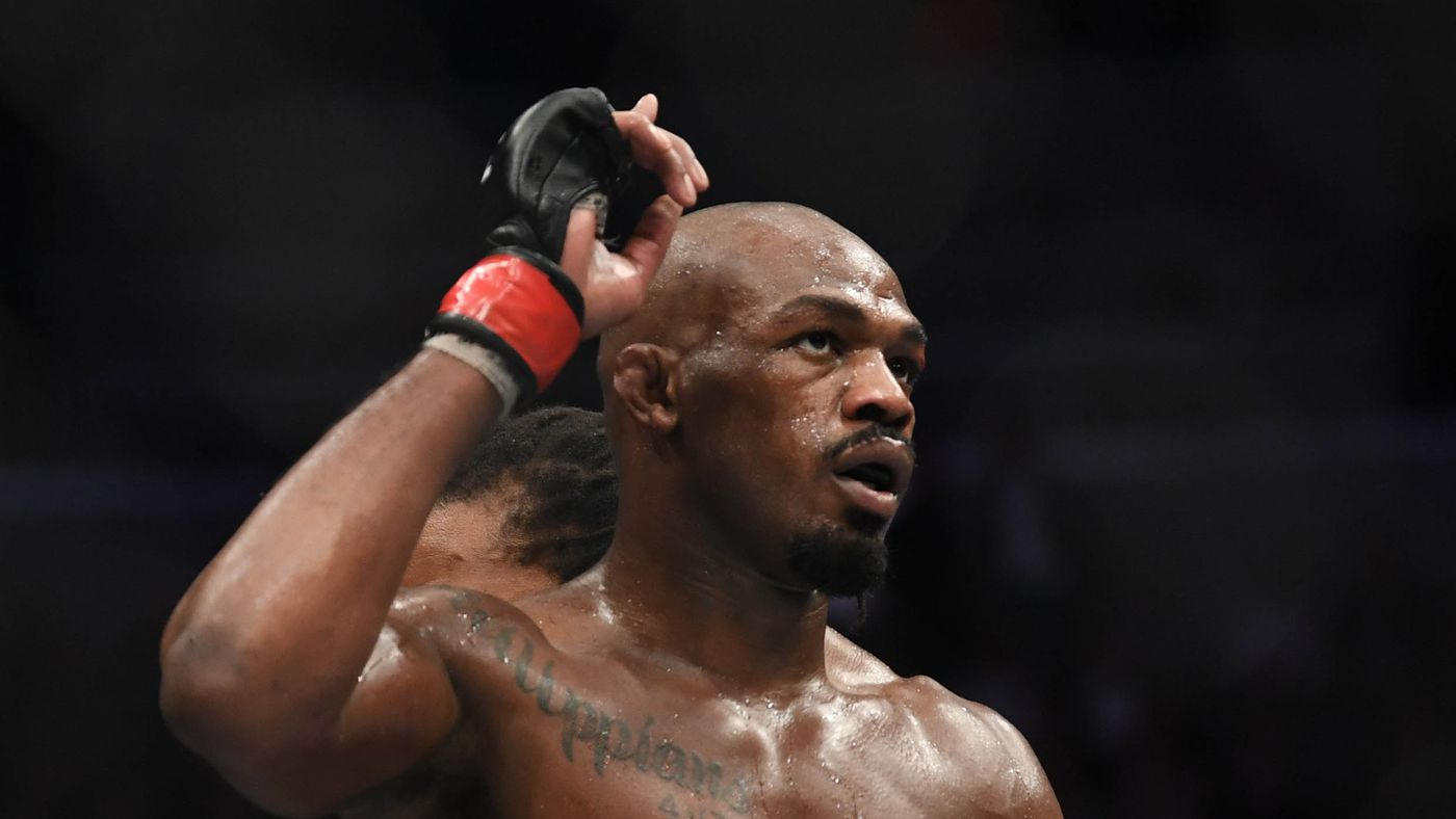 Jon Jones fires back at Thiago Santos after being called lifetime 'roider'