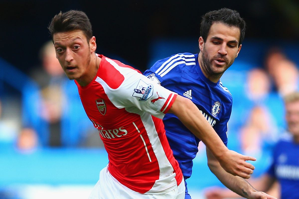 It's a big match in the Premier League today between first place Chelsea and second place Arsenal. Who will win?