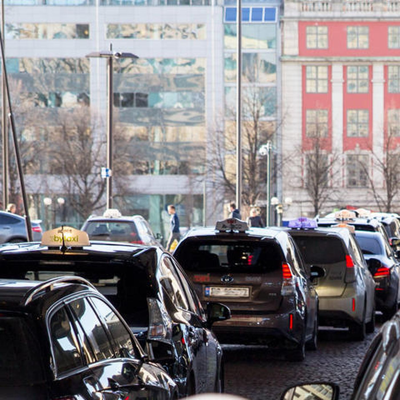 Norway will install the world's first wireless electric car