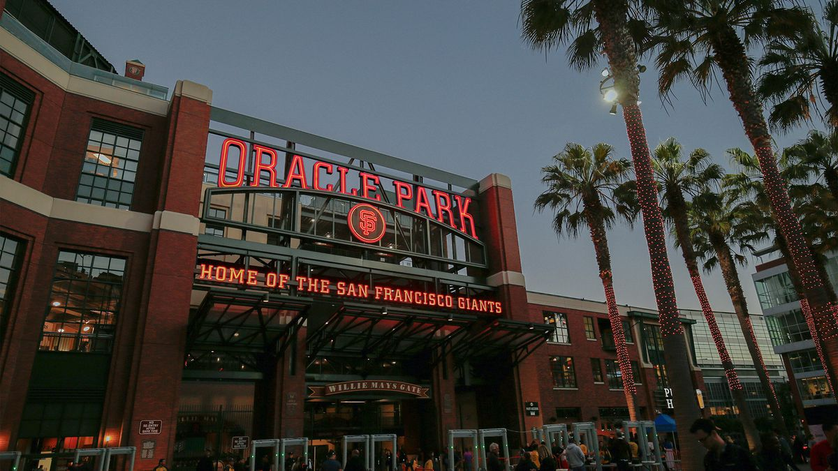 What To Eat At San Francisco S Oracle Park Home Of The Giants