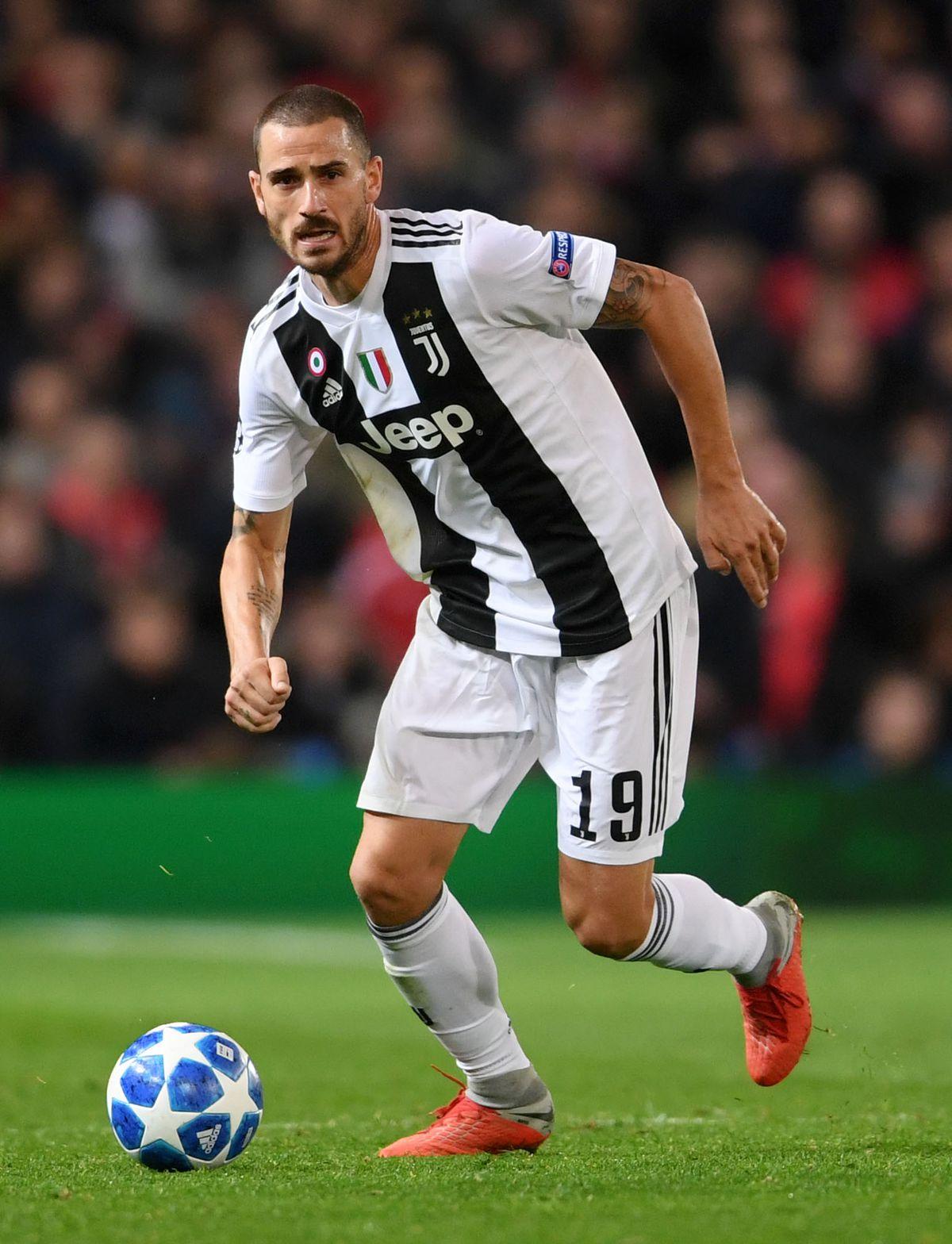 Leonardo Bonucci runs with the ball - Juventus - UEFA Champions League Group H