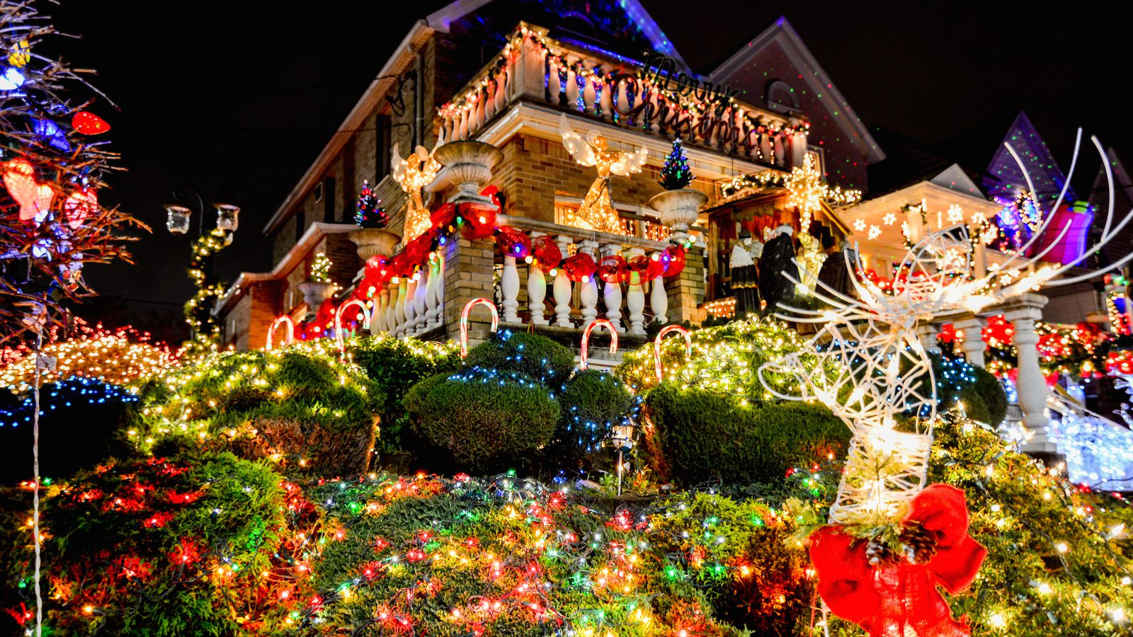 open thread which nyc neighborhood has the best christmas decorations curbed ny - New York Christmas Decorations