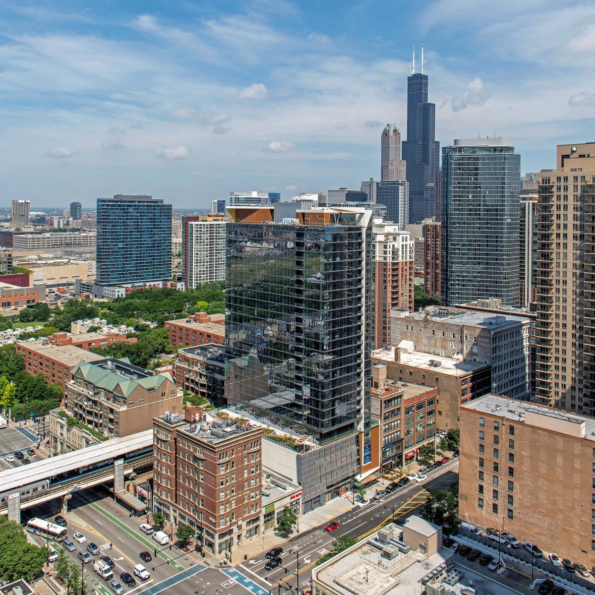 Chicago Apartment Listings: South Loop's New Eleven40 Apartments Open For Business