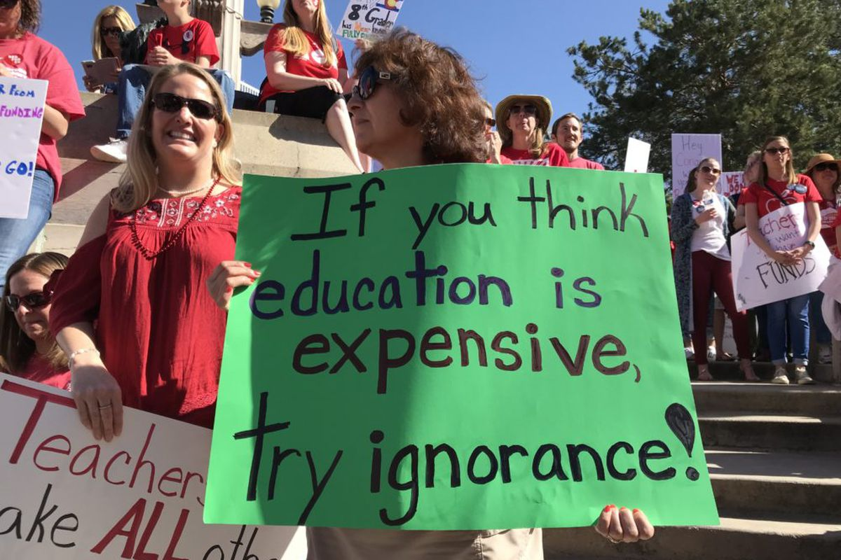 Colorado teachers rally at the Capitol for more education funding. (Melanie Asmar/Chalkbeat)