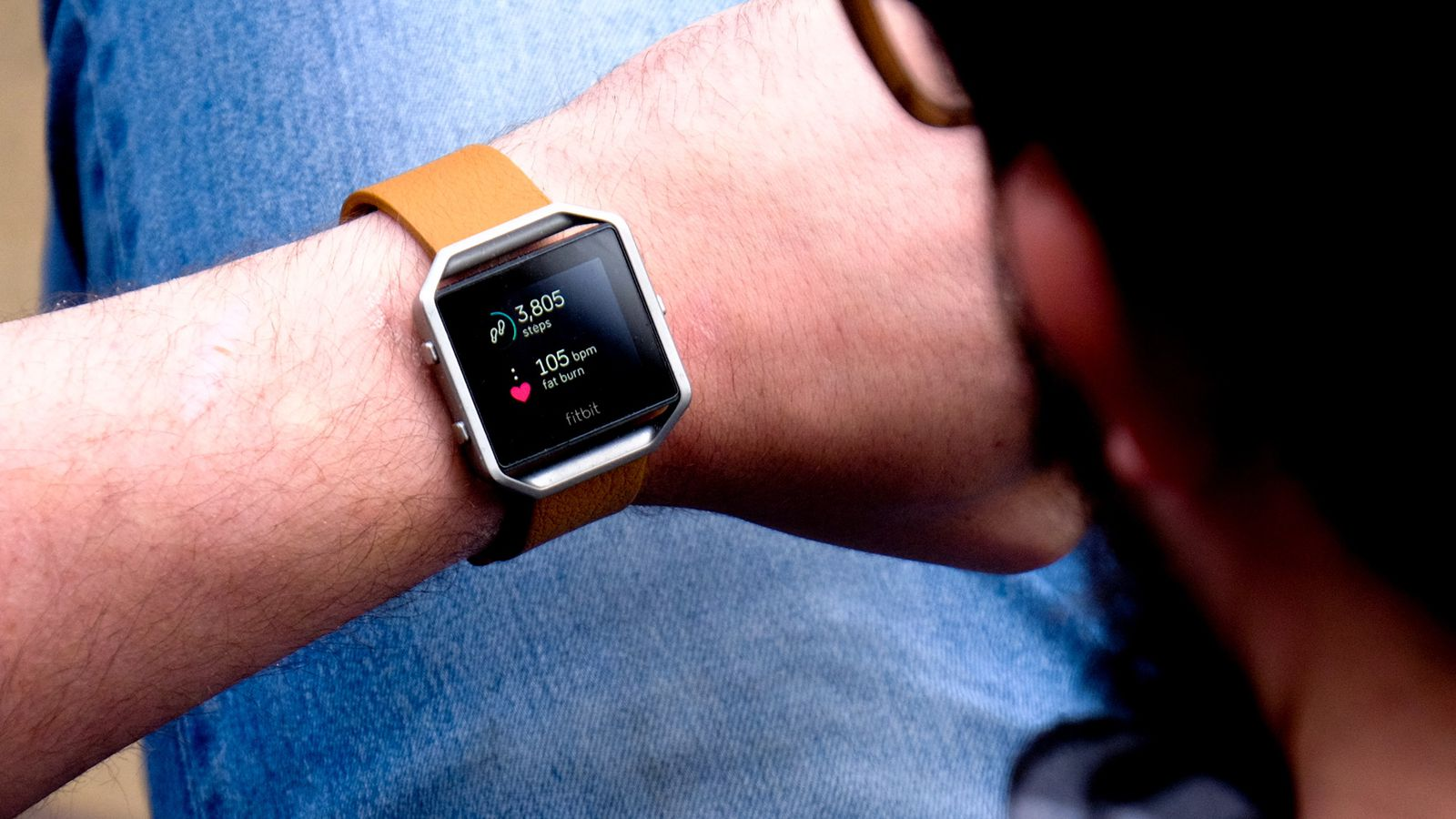 Fitbit Blaze review: a 'smarter' fitness tracker is still kind of dumb | The Verge