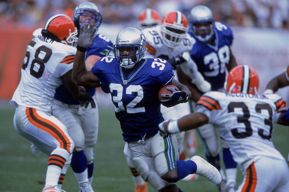 7 NFL jerseys that need to make a comeback - SBNation.com 63f98d28a
