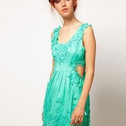 """<a href=""""http://us.asos.com/ASOS-SALON-Skater-Dress-with-Cut-Out-Heart/y5owm/?iid=1966922&cid=12921&sh=0&pge=0&pgesize=20&sort=-1&clr=Green&mporgp=L0FTT1MvQVNPUy1TQUxPTi1Ta2F0ZXItRHJlc3Mtd2l0aC1DdXQtT3V0LUhlYXJ0L1Byb2Qv""""> Skater dress with cut out heart</"""