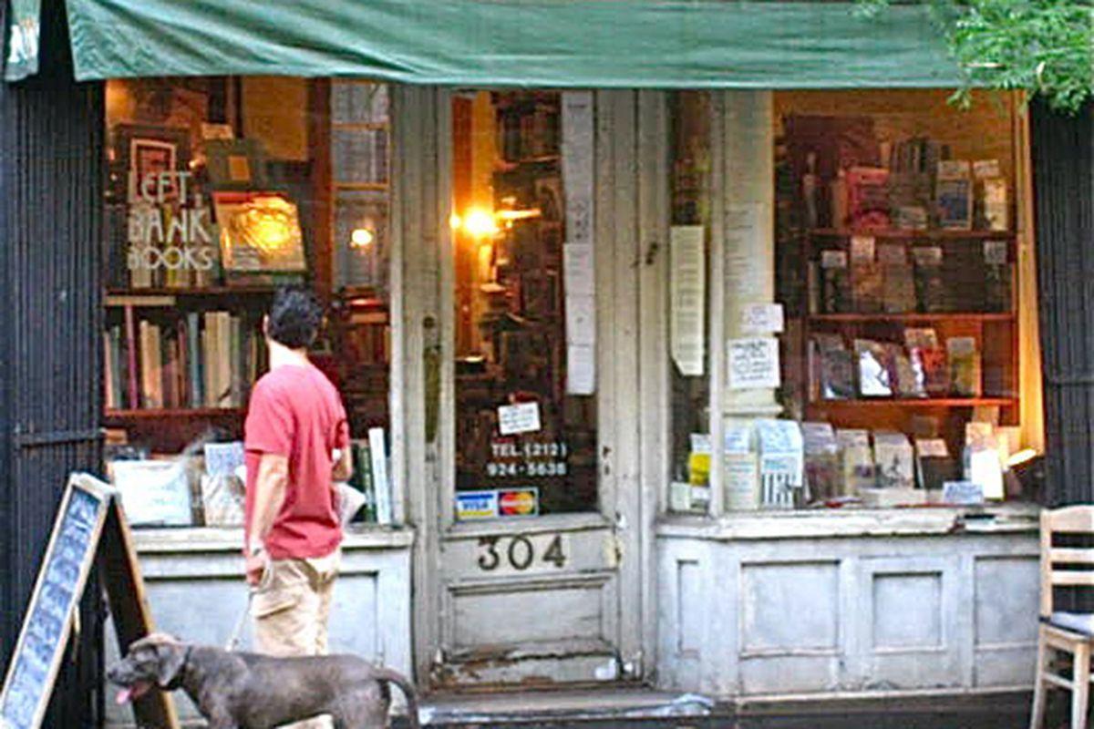 "Image via <a href=""http://vanishingnewyork.blogspot.com/2009/12/save-left-bank-books.html"">Jeremiah's Vanishing New York</a>"