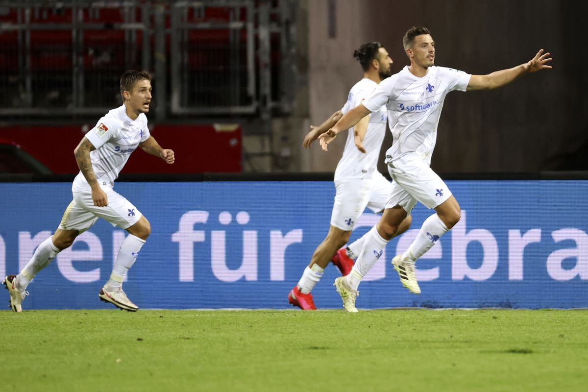 1. FC Nuernberg v SV Darmstadt 98 - Second Bundesliga