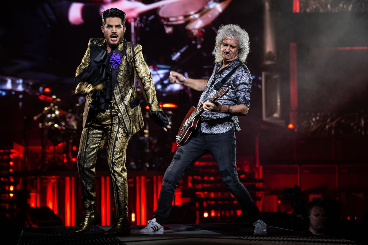 Queen earns its bows, curtain calls at United Center